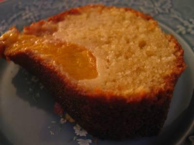 Gâteau aux pêches et poudre d'amandes