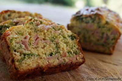 Cake aux herbes et au jambon