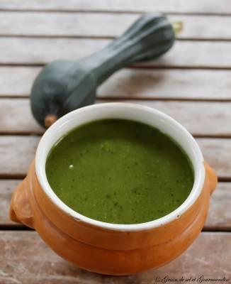 Soupe de Courgettes à l'ail et au persil