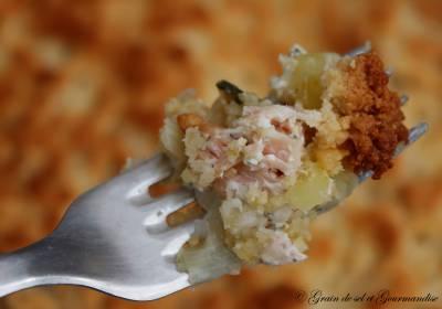 Crumble au saumon et fondue de poireaux