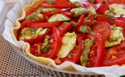 Tarte aux tomates, mozzarella et pesto